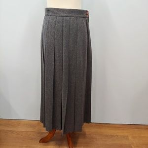 L.L. BEAN Gray Pleated Wool Skirt Size 12